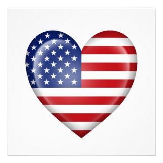 Bandeira americana do coração no branco convite