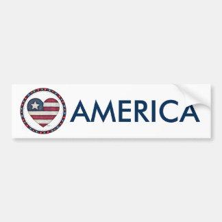 Bandeira americana em um coração adesivo para carro