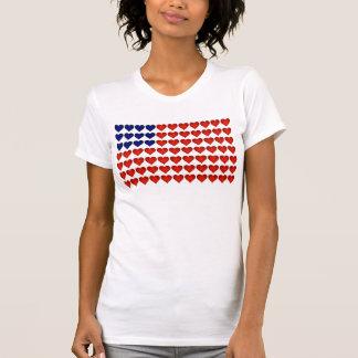 Bandeira americana feita dos corações camisetas