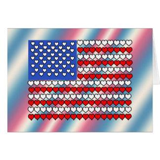 Bandeira americana feita dos corações cartão comemorativo