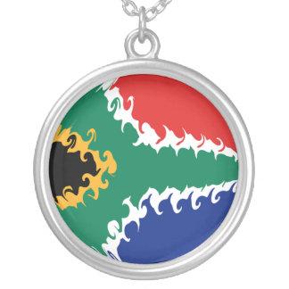 Bandeira Gnarly de África do Sul Colar Banhado A Prata