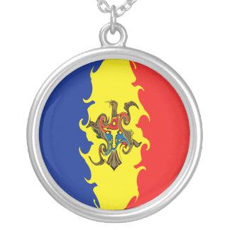 Bandeira Gnarly de Moldova Colar