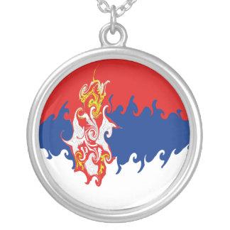 Bandeira Gnarly de Serbia Colar Banhado A Prata