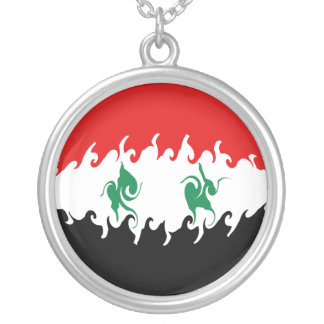 Bandeira Gnarly de Syria Colar Banhado A Prata