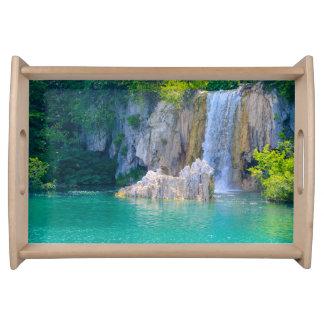 Bandeja Cachoeira no parque nacional de Plitvice em