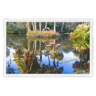 Bandeja De Acrílico Reflexões: Palmas nos jardins da torre de Bok da