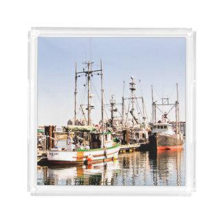 Bandeja do serviço do barco de pesca