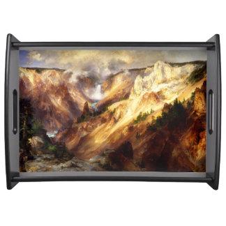 Bandeja Montanhas do rio da cachoeira de Yellowstone que