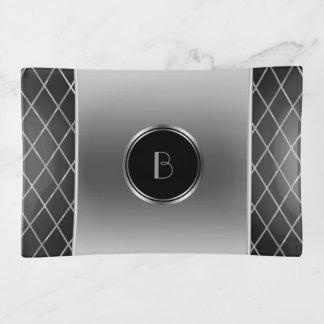 Bandejas Prata metálica e design geométrico preto