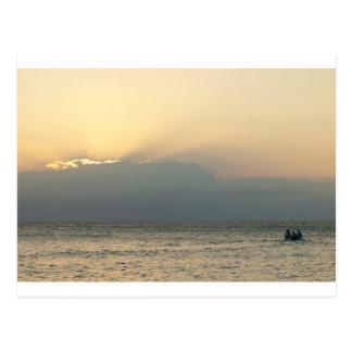 Barco da ilha do Fijian Cartão Postal