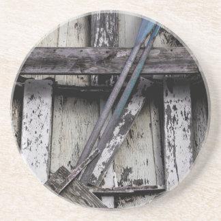 Barco de fileira resistido velho porta copos