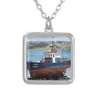 Barco de pesca de Vimar, Porto, Portugal Colar Banhado A Prata