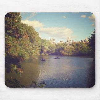 Barcos no lago no Central Park, Nova Iorque Mouse Pad