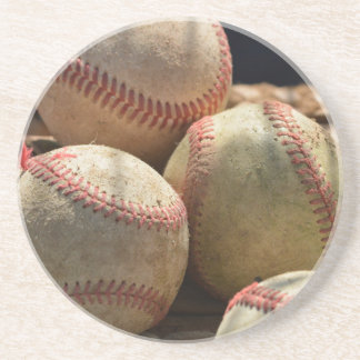 Basebol e luva porta copos de arenito