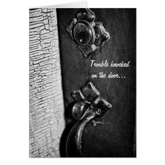 Batida na porta cartão comemorativo