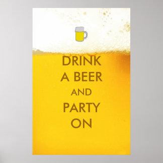 Beba uma cerveja e um partido no poster engraçado