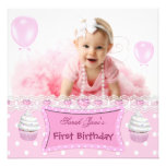 Bebê cor-de-rosa dos cupcakes da primeira menina d convite personalizado