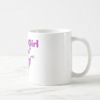 """Bebê novo """"é presentes de uma menina"""" caneca"""
