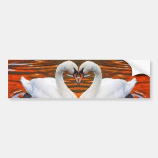 Beijando cisnes no amor, pescoços da forma do cora adesivo