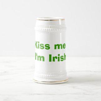 Beije-me, mim são irlandês caneca de cerveja