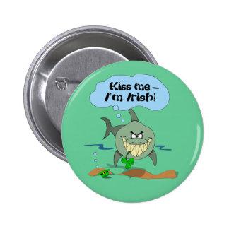 Beije-me que eu sou botão engraçado irlandês do bóton redondo 5.08cm