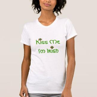 Beije-me que eu sou irlandês, senhoras t-shirts