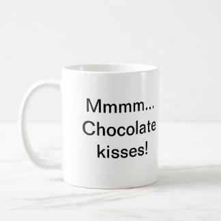 … Beijos de chocolate Mmmm! Caneca De Café