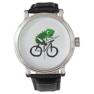 Bicicleta engraçada da equitação da iguana relógios de pulso
