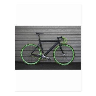 Bicicleta verde cartão postal