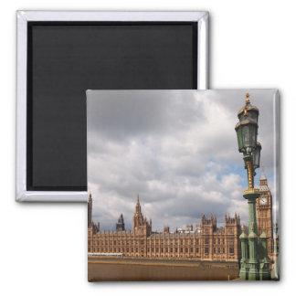 Big Ben e casas do parlamento em Londres Ímã Quadrado