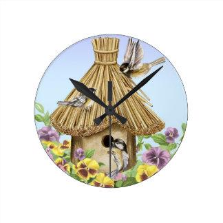 Birdhouse dos Chickadees Relógio De Parede