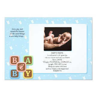 Blocos da letra no anúncio azul do bebê do coelho convites