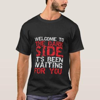 Boa vinda engraçada do t-shirt do SciFi ao lado