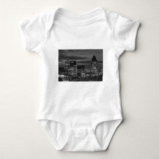 Body Para Bebê Construções da cidade em preto e branco