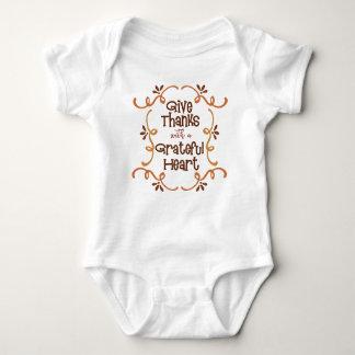 Body Para Bebê Dê obrigados com um coração grato