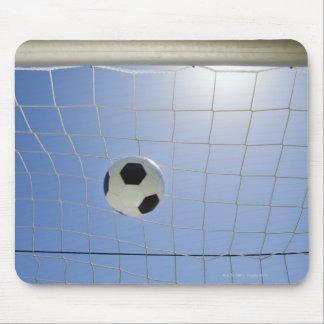 Bola de futebol e objetivo 2 mouse pad