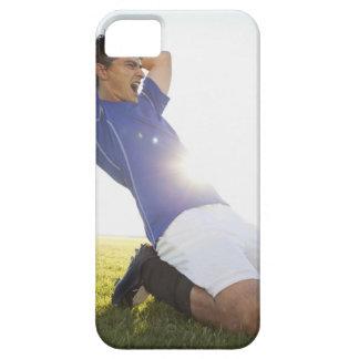 Bola de jogo do jogador de futebol capa barely there para iPhone 5