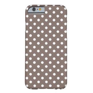 Bolinhas de Brown Capa Barely There Para iPhone 6