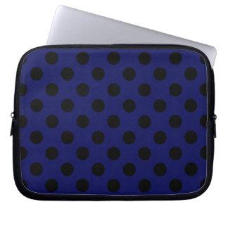 Bolinhas pretas em azuis marinhos bolsa e capa de notebook