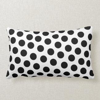 Bolinhas preto e branco travesseiro