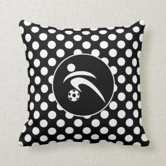 Bolinhas preto e branco; Futebol Travesseiros