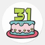 Bolo de aniversário das pessoas de 31 anos adesivos em formato redondos