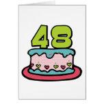 Bolo de aniversário das pessoas de 48 anos cartao