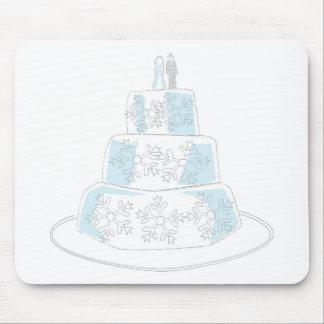 Bolo de casamento três estratificado com guarnição mouse pad