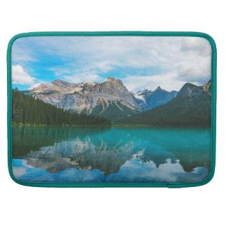 Bolsa MacBook Pro O Moutains e a água azul