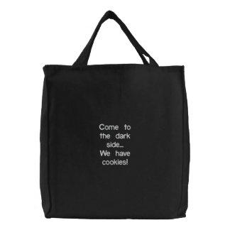 Bolsa Tote Bordada Vindo ao lado escuro… Nós temos biscoitos!
