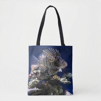 Bolsa Tote Lionfish no aquário