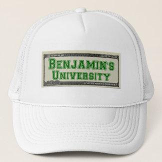Boné A universidade de Benjamin