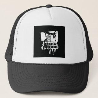 Boné Preto ORGULHOSO do chapéu de Utica