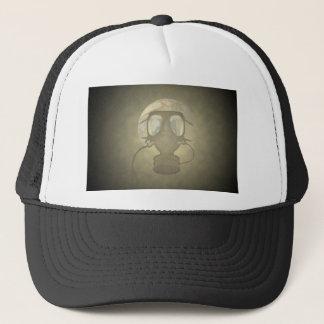 Boné Terra que veste uma máscara de gás